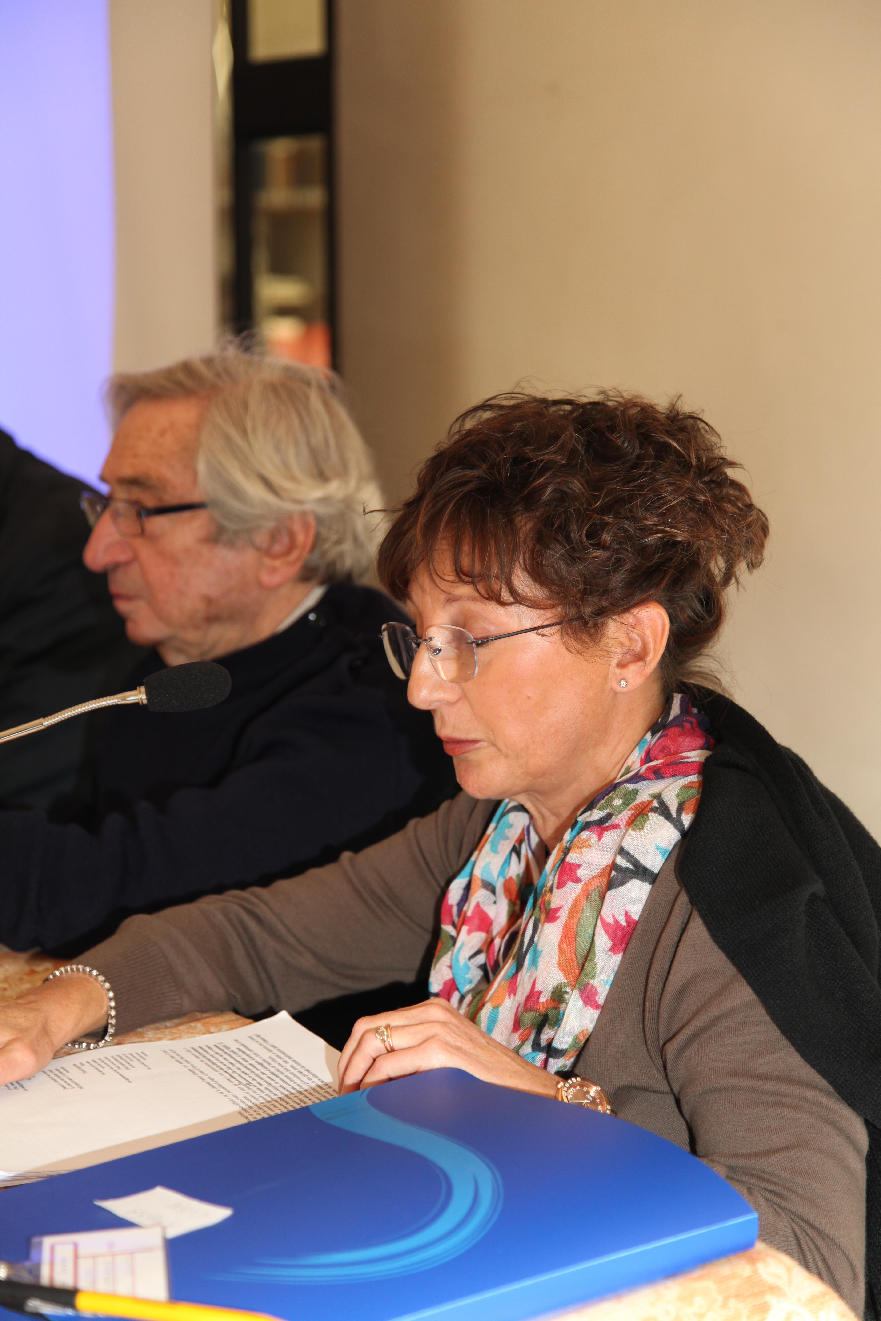 """Convegno                                                                                                         2010 PSICOANALISI E LUOGHI DELLA NEGAZIONE: """"Quando il mare diventò una                                                                                                         montagna di uomini"""", di Ambra Cusin (Trieste)"""